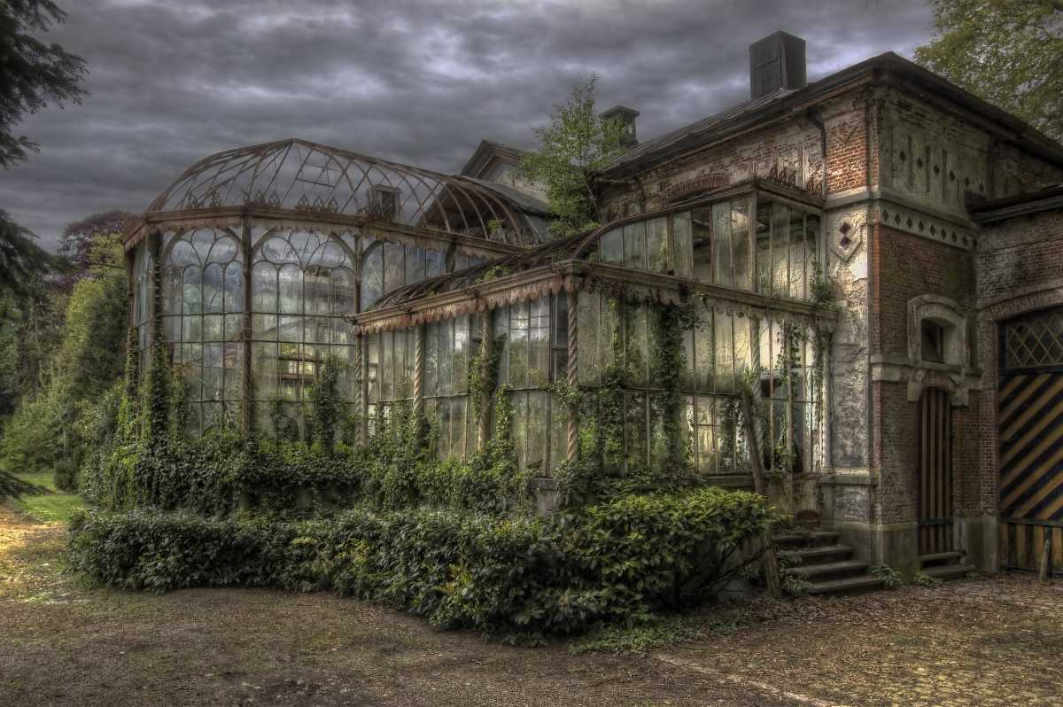 ...Gardener's Mansion...