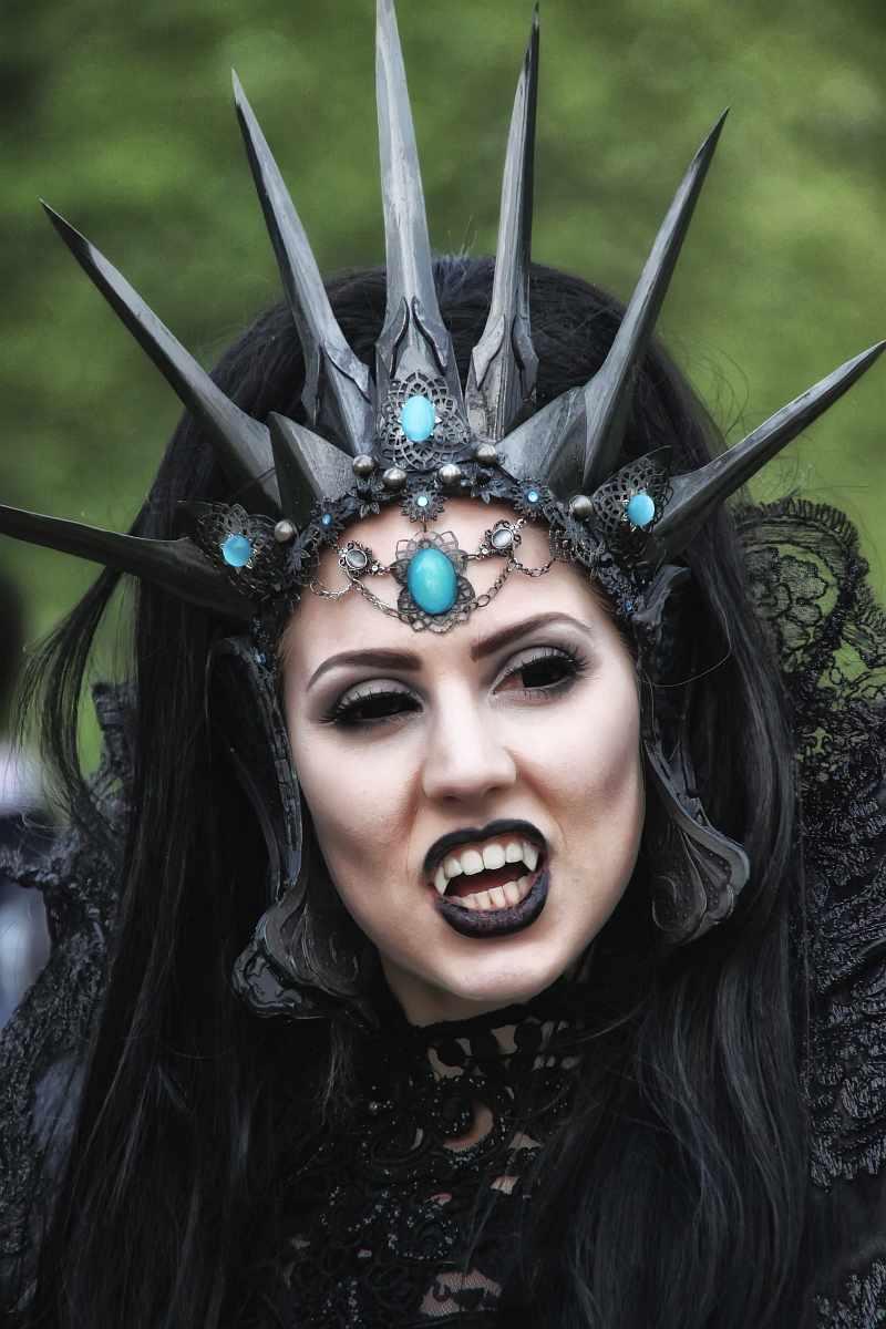 ...Black Queen...