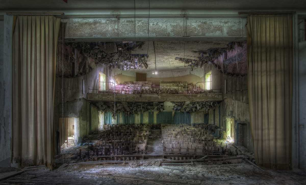 ...Sad Theater of Lost Times...