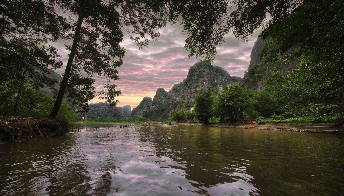 ...Tam Coc river...
