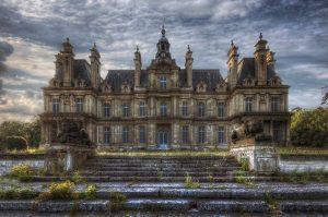 ...Le Chateau avec Lions...